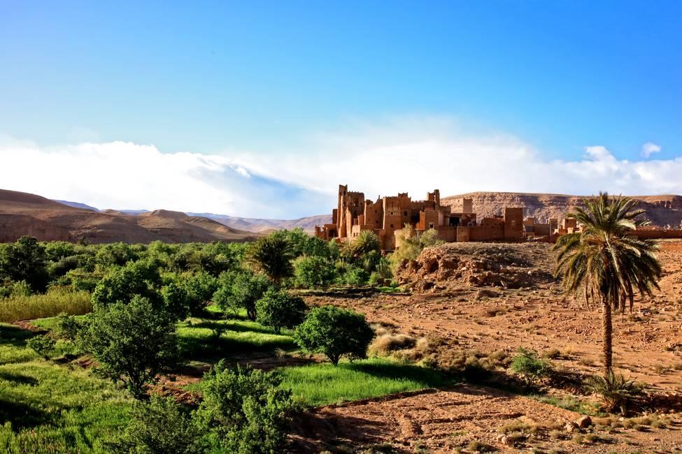 Kasbah traditionnelle en pisé dans la vallée de l'Ounila, haut-Atlas, au Maroc