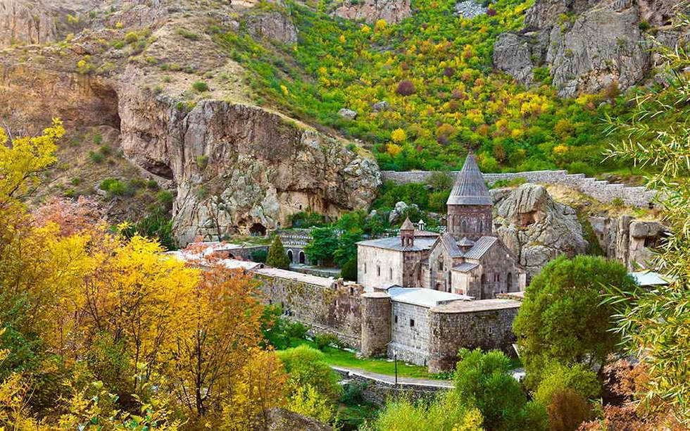 Village pittoresque de montagne en Arménie