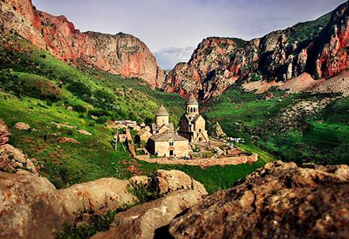 Monastère de Noravank situé sur la commune d'Areni