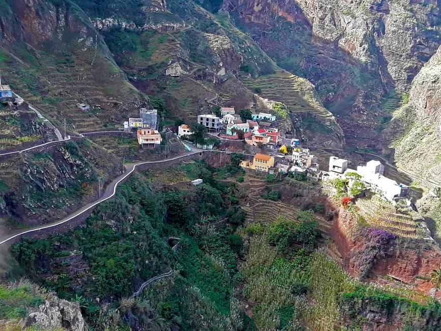 Paysage de montagne sur l'île de Santo Antao au Cap-Vert