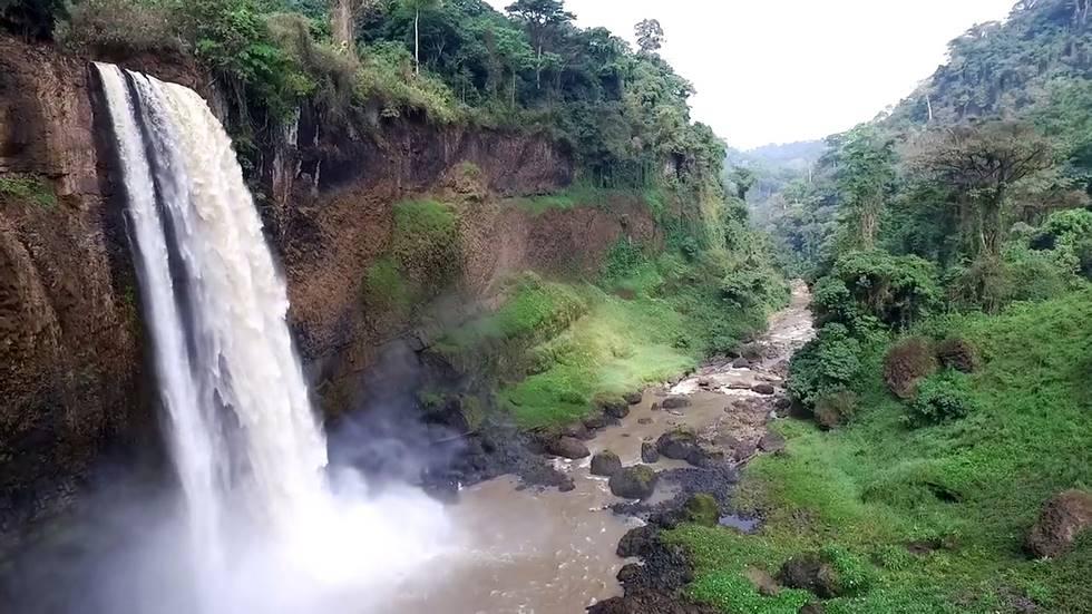 Chutes de Eom Nkam au Cameroun