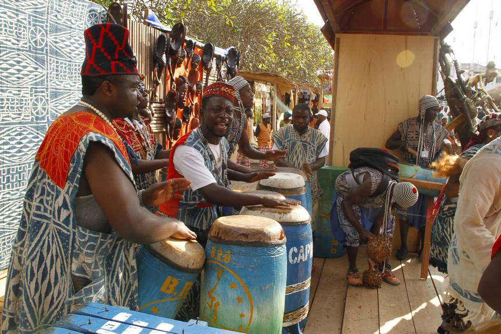 Joueurs de tamtam dans l'ouest du Cameroun