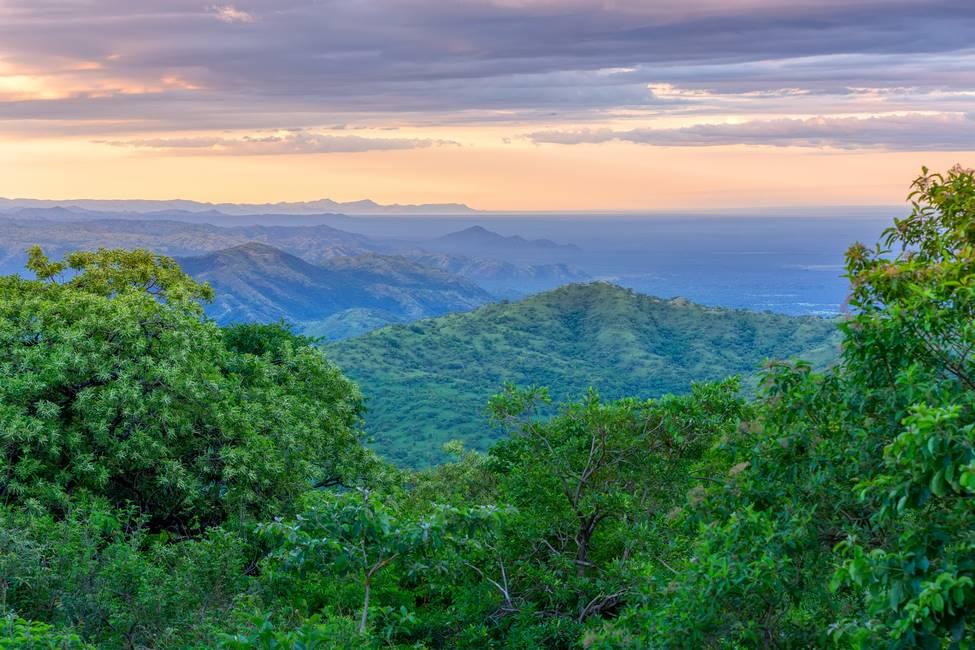 Vue panoramique sur la vallée de l'Omo au sud de l'Ethiopie