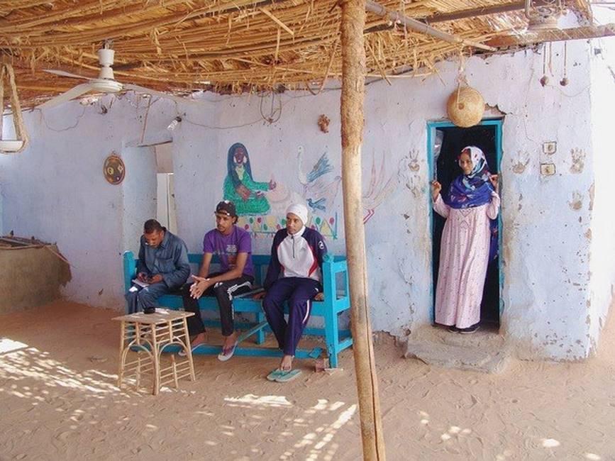 Famille nubienne dans un village proche d'Assouan dans le sud de l'Egypte