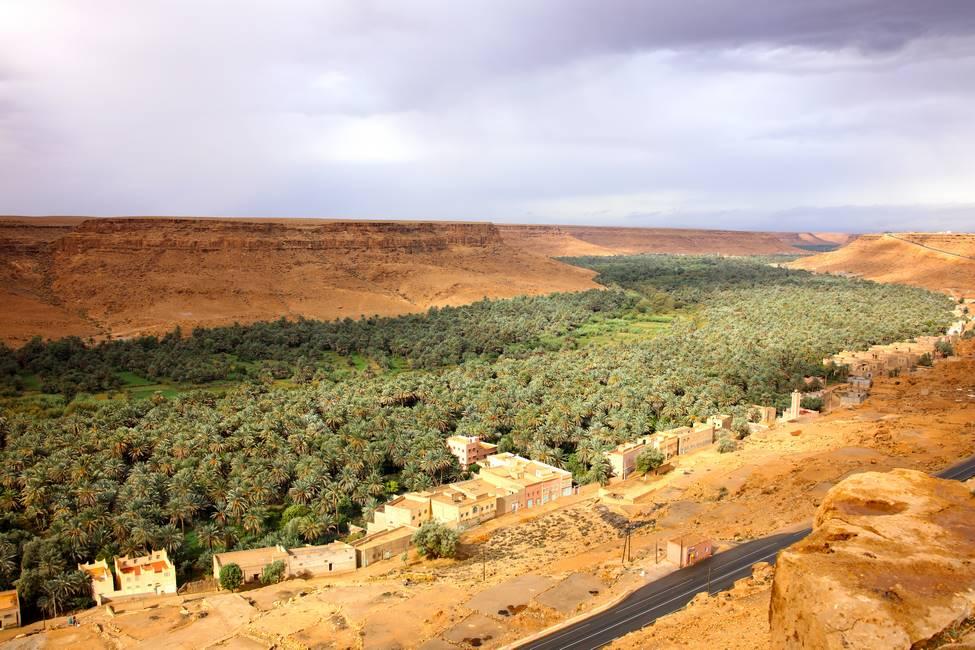 Paysage de la vallée du Ziz proche d'Errachidia au Maroc