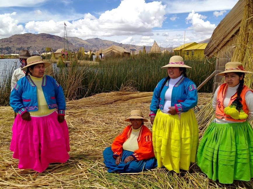 Communauté péruvienne sur une île du lac Titicaca