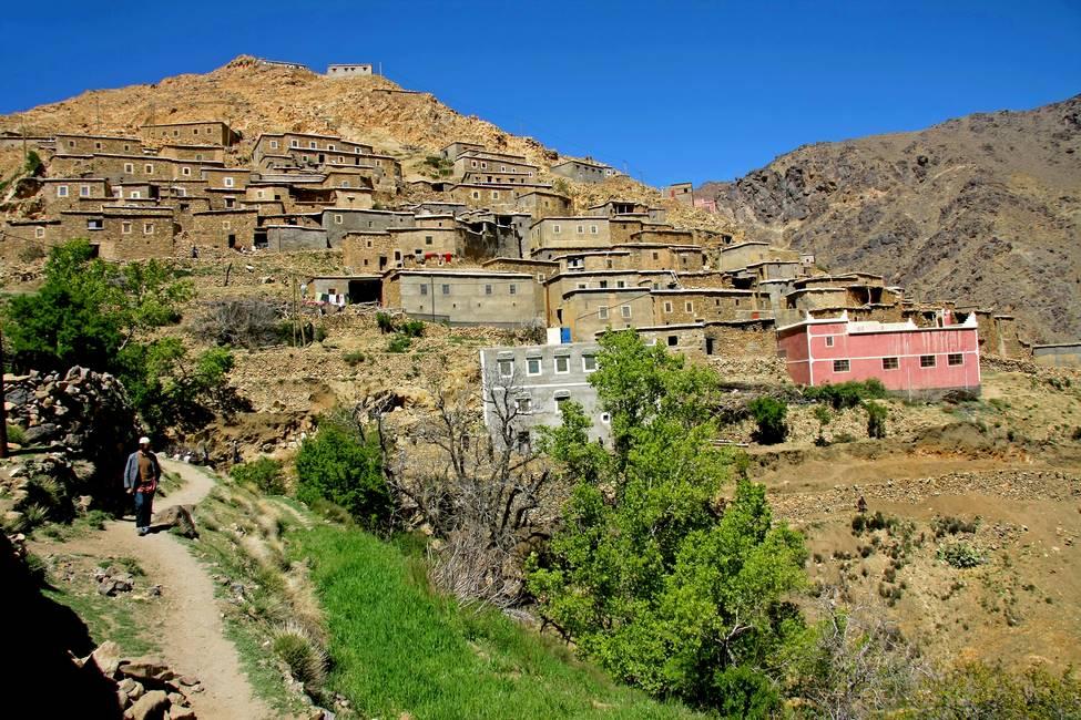 Village perché dans les montagnes de l'anti-Atlas au Maroc