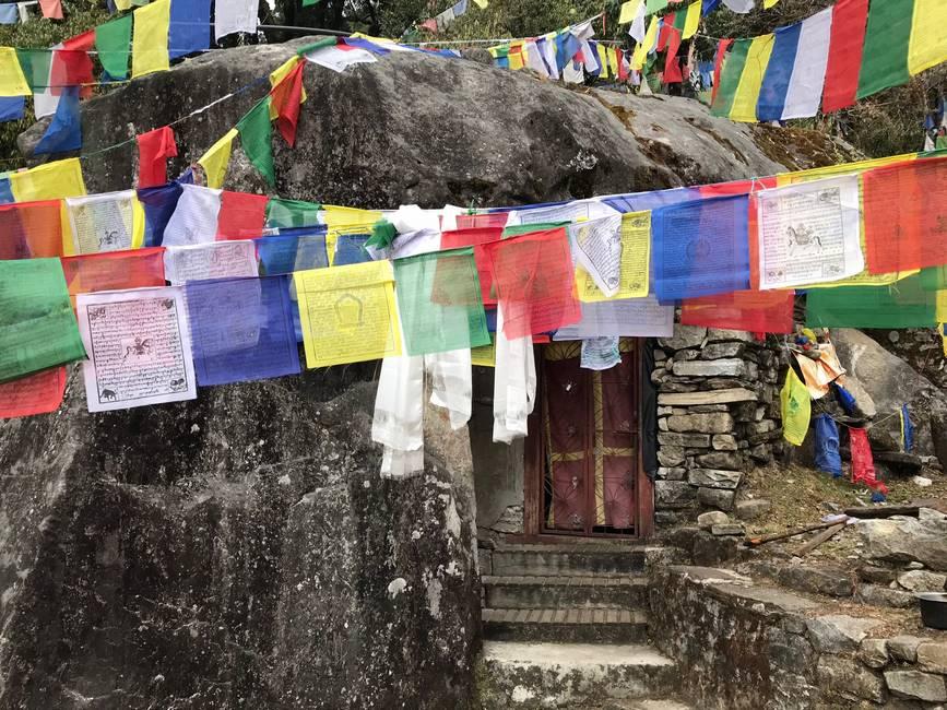 Grotte de Gourou Rinpoché dans le Langtang, Népal
