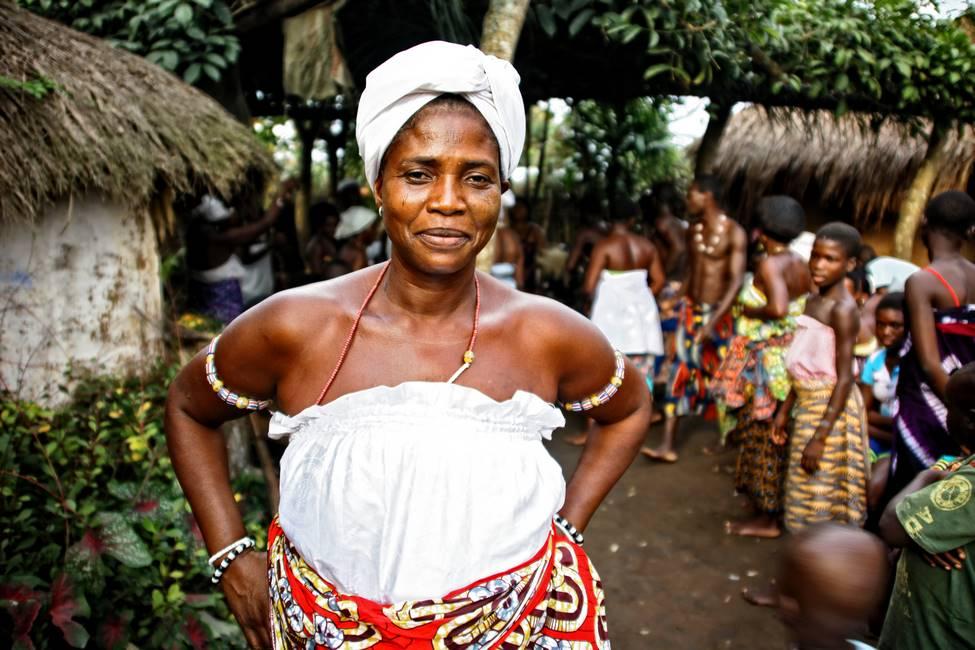 Togolaise en habits de fête vaudou
