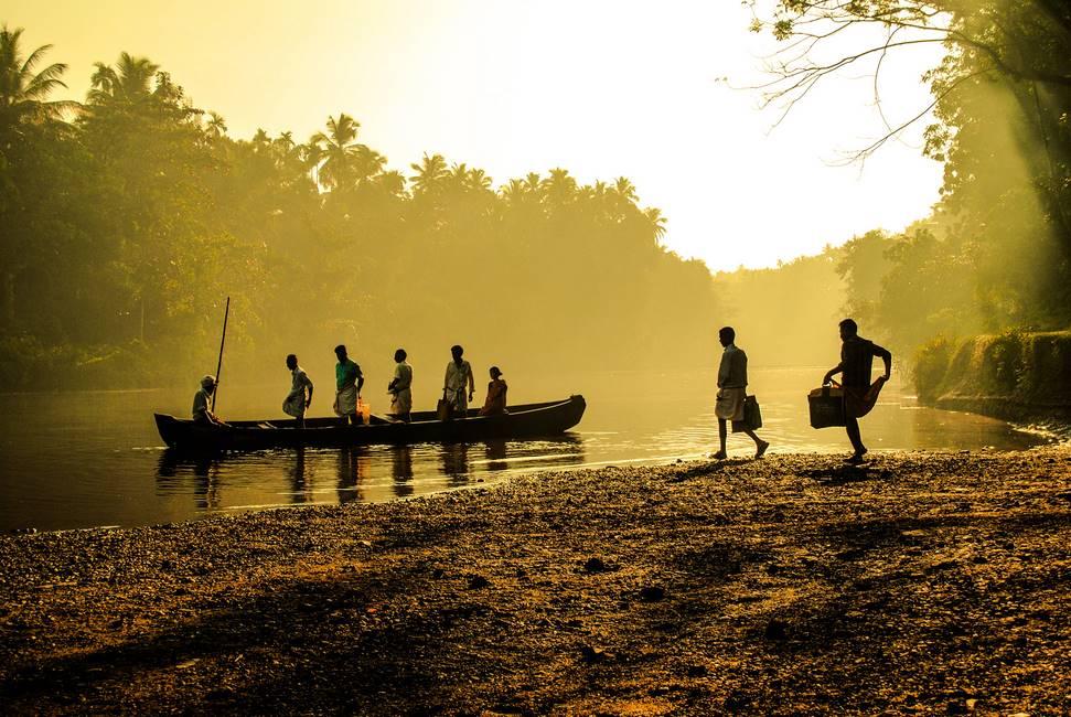 Pêcheur dans le Kérala au sud de l'Inde