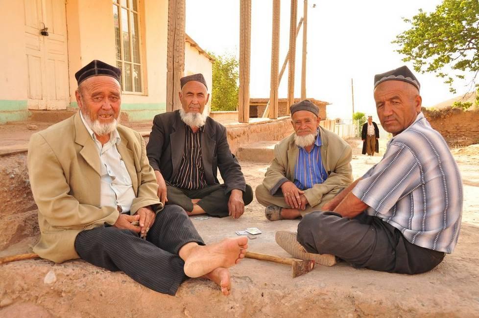 Ouzbeks jouant aux cartes
