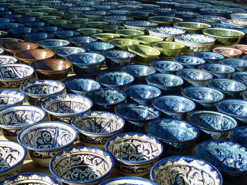 Céramique dans une fabrique de la vallée de Fergana en Ouzbékistan