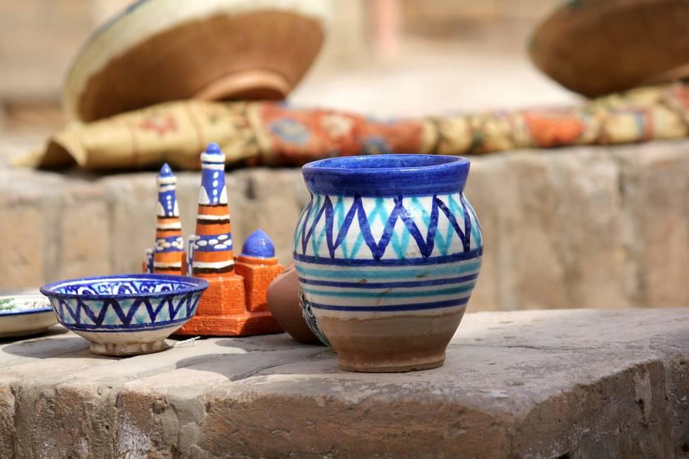 Objets en céramique à Marguilan en Ouzbékistan