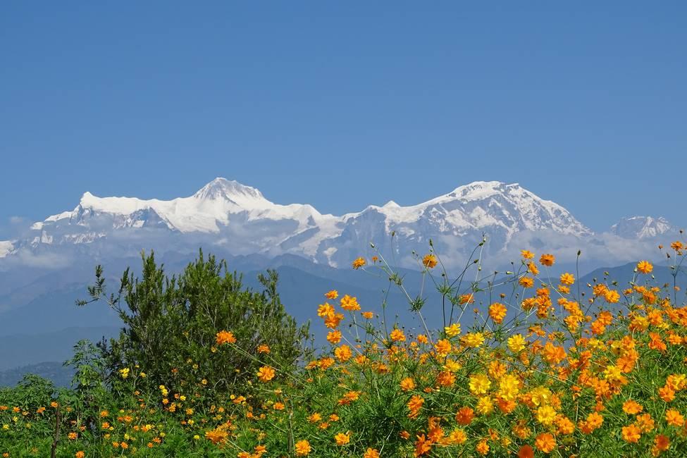 Vue panoramique sur la chaîne himalayenne à Pokhara au Népal