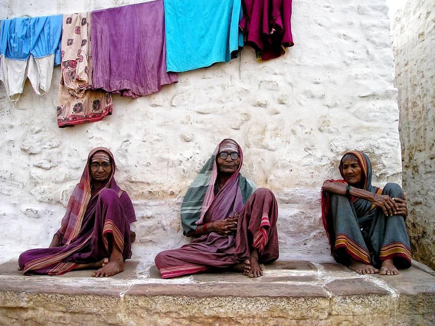 Scène de vie dans un village du Rajasthan