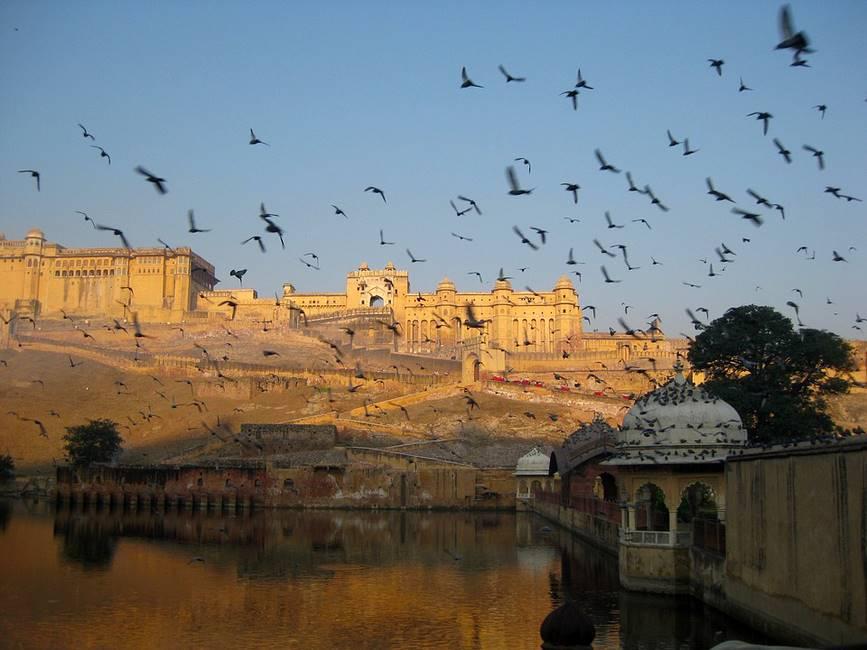 Vue panoramique du fort Amber à Jaipur au Rajasthan