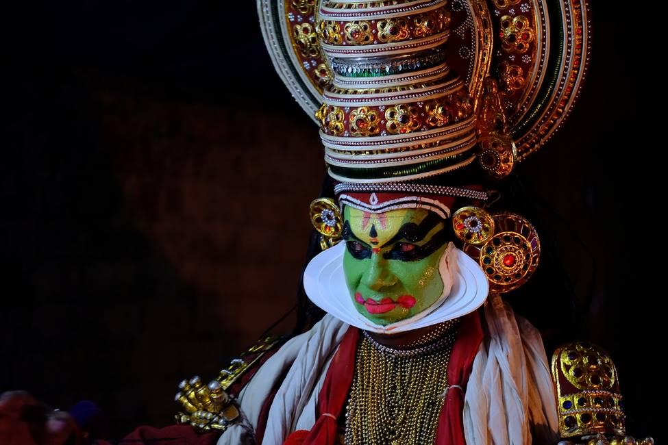 Spectacle de Kathakali dans le Kérala au sud de l'Inde