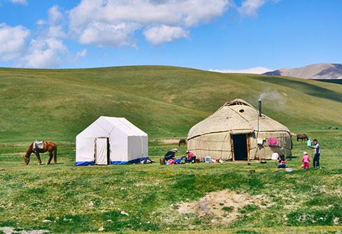 Yourtes de bergers nomades au Khirguizistan