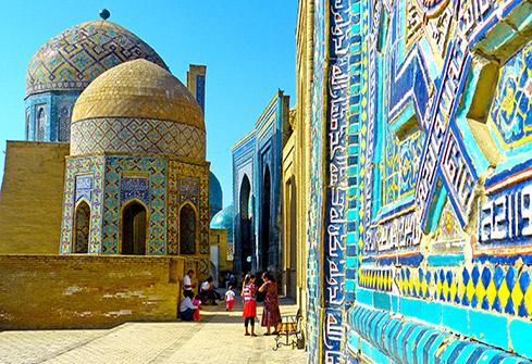 Nécropole de Chah-e-Zindeh à Samarcande en Ouzbékistan