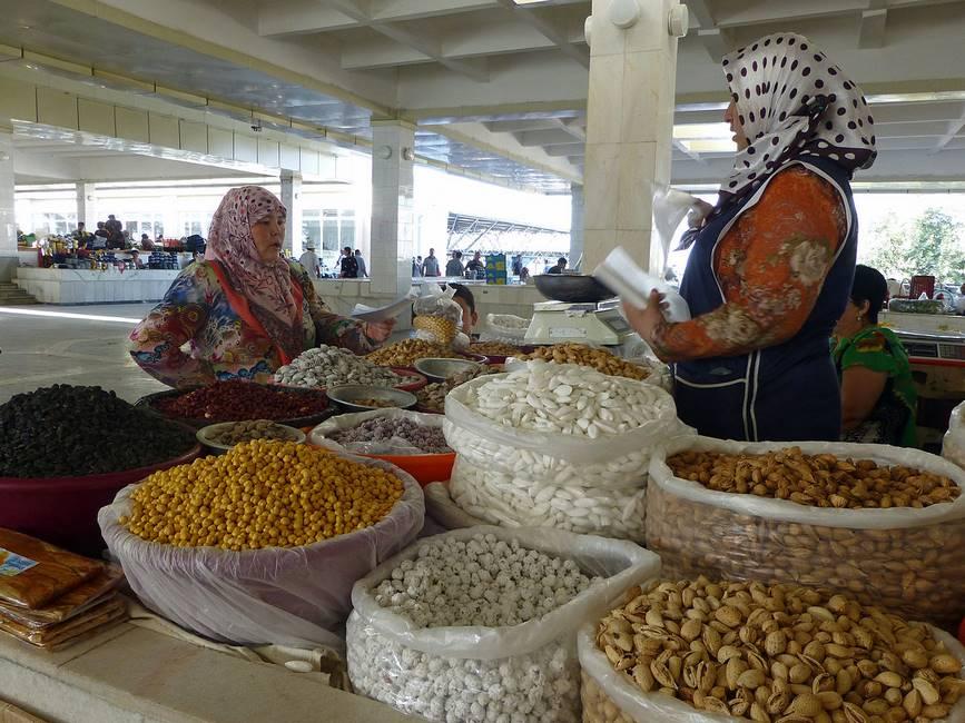 Le marché de Siyob à Samarcande en Ouzbékistan