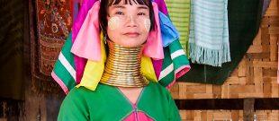 Femme de la tribu des long neck en Birmanie